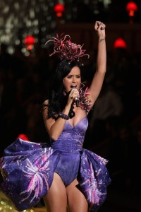 Katy+Perry+performs+live+2010