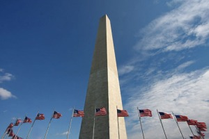 washington-monument-flags